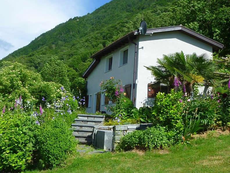 Ascona-Locarno: scoprite la dolce vita! Casa Stalla ...