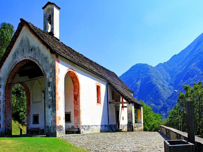 Ascona locarno scoprite la dolce vita chiesa di s for Portico anteriore a trave aperta